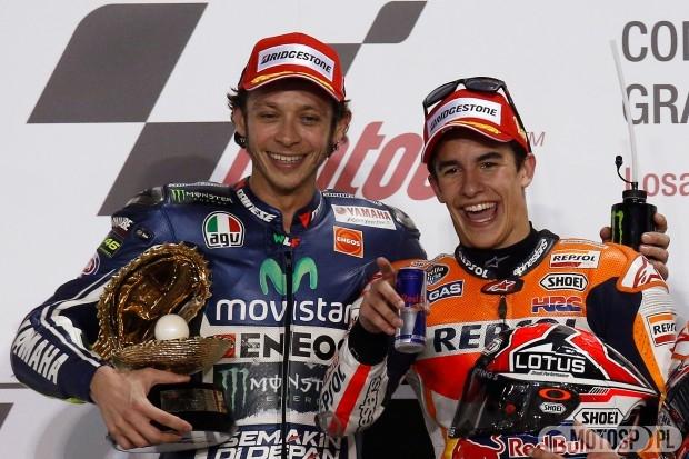 Valentino Rossi i Marc Marquez na podium w Katarze