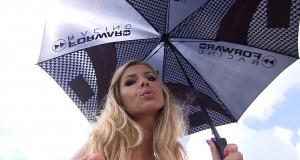 Wideo: Dziewczyny na padoku Dutch TT w Assen