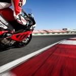 Bridgestone i instruktorzy Speed-Day radzą jak bezpiecznie jeździć jednośladami