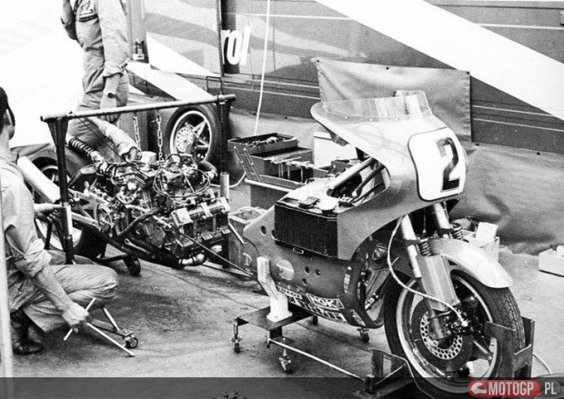 Montaż silnika w NR500