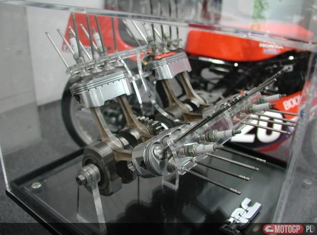 Silnik NR750