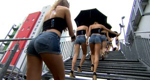 Wideo: Dziewczyny na padoku GP Niemiec